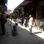 dann geht`s zum Bazar