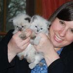 Jenny mit ihren Kätzchen Coco und Candy