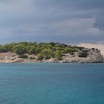 Ankern vor der Insel Moni