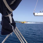 Wasserflugzeuge auf dem Meer in Kroatien