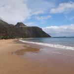 Strand Las Teresitas im Norden von Teneriffa