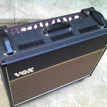 VOX AC30 CUSTOM 2x Celestion Alnico blue Made in England lampes neuves NOS  Le son de U2, Radiohead, Noir Désir, Queen ...  Combo guitare 100% lampes état neuf !  30 Watts mais gros rendement
