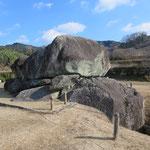 一辺約50mの方墳、全長19.1mの横穴式石室
