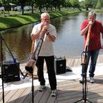 Didi Spatz mit dem Didgeridoo...