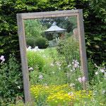 Der Garten im Garten im Frühjahr.