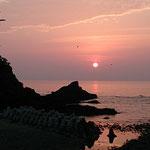 辺戸岬、海岸線の夕日