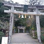 近所に玉造神社があります