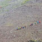 Wandergruppen im Tisental. Im Abstieg von der Similaun Hütte