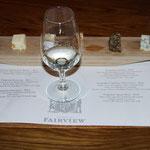 Weinprobe im Weingut und Käserei Fair-View