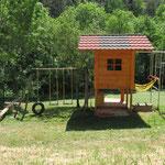 La cabane de jeux pour les enfants.