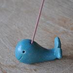 鯨の香立て ¥600 (紙箱。5本の香入り)