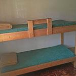 Im Leiterzimmer sind vier Schlafplätze
