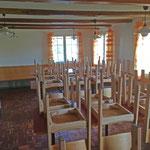 Der Aufenthaltsraum bietet bis 36 Personen Platz zum sitzen.