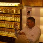 Noch eine Spezialität aus der St. Johannis Apotheke, Arquebuse Kräuter-Destillat. Probieren!