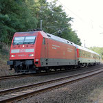 101 021 aus Richtung Dessau an km 66,2 am 30.08.2009