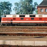 228 804 vor den Personenzug nach Brandenburg – 1994