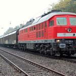 232 569 hat umgesetzt und wartet am 23.10.2012 auf das Abfahrtssignal
