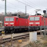 143 305 und 143 642 mit RE7 nach Dessau und nach Berlin am 24.11.2008