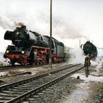 41 1185 übernahm den Sonderzug von der 52 8087 aus Berlin. Die 52er fuhr Lz zurück nach Berlin Schöneweide