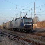 RBH 122 und 104 mit Kesselwagenzug am 23.11.2012