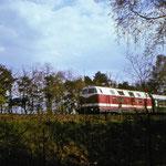 Eine unbekannte 118 an km 63,2 mit den Eilzug von Aschersleben nach Berlin Karlshorst irgendwann in den 80er Jahren