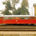 Die Anzahl der Reisenden wurde immer weniger nach Brandenburg. Es reichte ein LVT aus. 772 131 vor den Empfangsgebäude der Brandenburgischen Städtebahn.