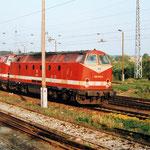 Die Erstbespannung des Nachtzuges München Berlin wurde mit Diesellok gefahren. Hier 229 170 und eine Schwesterlok bei der Ausfahrt nach Berlin.