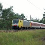 ES 64 F4-015 im Dienst bei DB Autozug am 12.07.2011 Baitz km 57,2