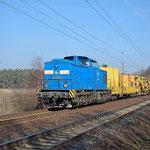 204 011 mit einen Bauzug Richtung Dessau am 04.03.2011