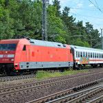 101 123 mit Überführung von ICE Wagen am 27.06.2016 aus Richtung Michendorf nach Potsdam