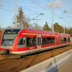 646 007 am Bahnsteig 1 nach Potsdam Hbf am 30.11.2011