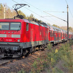 114 008 schiebt RE7 - Baitz km 60,6 am 04.03.2011