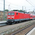 114 017 steht abfahrbereit an Bahnsteig 2 am 23.05.2007