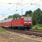 143 877 mit RE 7 nach Berlin am 14.06.2009 in Beelitz Heilstätten