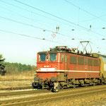 109 025 mit Doppelstockwagen in DR Lackierung 1994