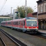 Am 02.09.2008 kurz vor Abfahrt 628 435 Bahnsteig 1 nach Stettin