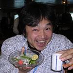 にっぽん丸船内での夕食。なんとふぐづくし。 左手にはひれ酒。たしか ここはバルト海上!