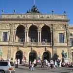コペンハーゲンにある国立劇場。 フィガロを観に行きました。