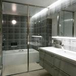 浴室と洗面