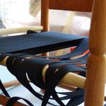 Flechten der Sitzflächen von Shakerstühlen