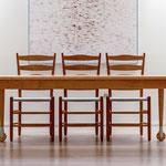 Shaker-Line worktable aus Kirschbaum mit Stühlen