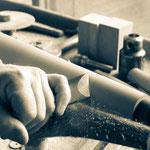 Shakertisch machen: Drechseln der Tischbeine