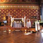 Aufbahrung Urne 6 in der Kirche
