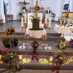 Aufbahrung Urne 5 in der Kirche