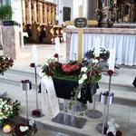 Aufbahrung Urne 2 in der Kirche