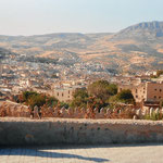 con la ciudad imperial de Fez a la espalda