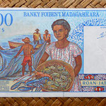 Madagascar 1000 francos - 200 ariary 1994 pk.76 reverso