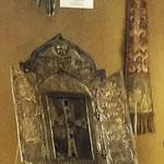 Relicario con una astilla del Arca de Noé en el interior de la cruz