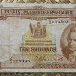 Nueva Zelanda 10 shillings 1940-55 (136x76mm) pk.158a anverso