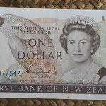 Nueva Zelanda 1 dollar 1981-85 (140x70mm) pk.169a anverso